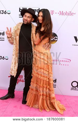 LAS VEGAS - MAY 21:  Parson James, Nicole Scherzinger at the 2017 Billboard Music Awards - Arrivals at the T-Mobile Arena on May 21, 2017 in Las Vegas, NV