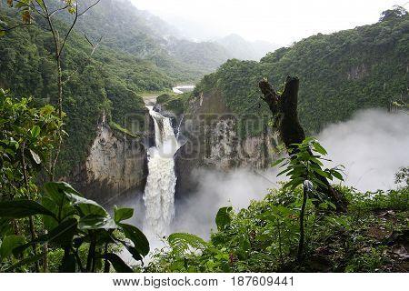 Hermosa Cascada de San Rafael, Amazonia, Ecuador