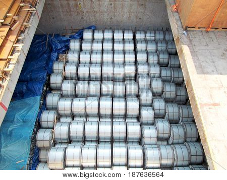 Steel coil congestion in the hold of vessel
