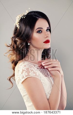Nice Bride Beauty Fashion Portrait with red lips