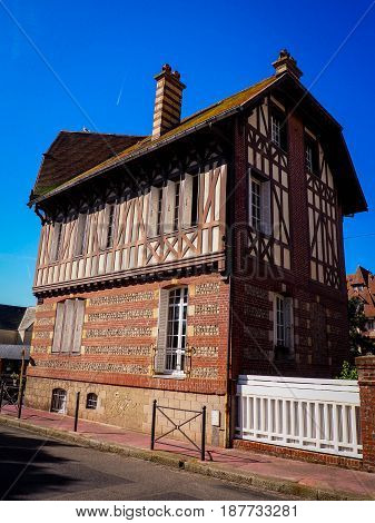 beautiful normandy - typical norman house - france - étretat may 2017