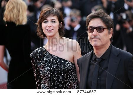 Charlotte Gainsbourg and Yvan Attal  attend the 'The Meyerowitz Stories' screening during the 70th annual Cannes Film Festival at Palais des Festivals on May 21, 2017 in Cannes, France.