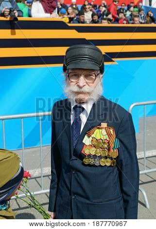 09.05.2017.Russia.Saint-Petersburg.A veteran of world war II in the Victory parade on the ninth of may .