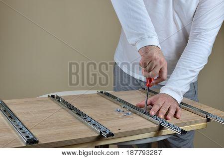 Assembling Rails For Drawers