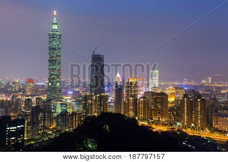 Taipei city skyline at dusk, view from the Elephant mountain, Taiwan