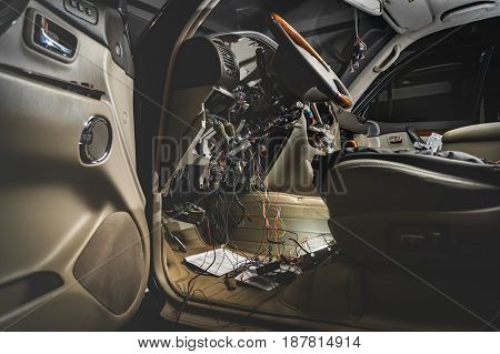Repair The Wiring Of The Car