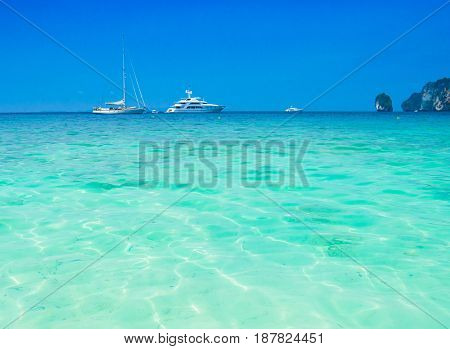 Yacht Vacation Traveling Overseas