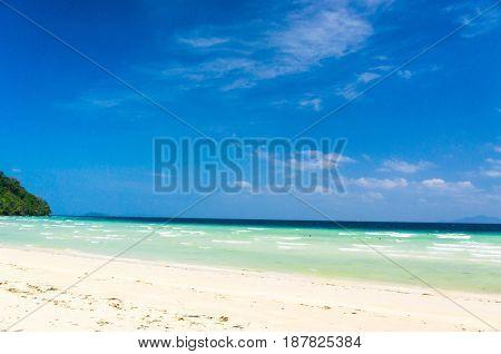 In Sunny Paradise Divine Coastline