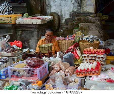People At The Market In Bali, Indonesia