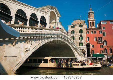 VENICE, ITALY - MAY 23, 2017: Rialto bridge in the Canal Grande of Venice city