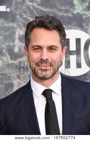 LOS ANGELES - MAY 19:  Thomas Sadoski arrives for the premiere of