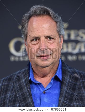 LOS ANGELES - MAY 18:  Jon Lovitz arrives for