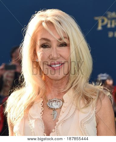 LOS ANGELES - MAY 18:  Linda Thompson arrives for