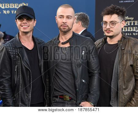 LOS ANGELES - MAY 18:  Matthew Lawrence, Joey Lawrence and Andrew Lawrence arrives for