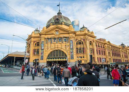 Melbourne, AUSTRALIA - AUGUST 22 2015: Flinders street station the iconic landmark of Melbourne, Australia.