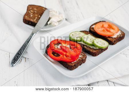 Healthy Vegetarian Sandwiches For Breakfast