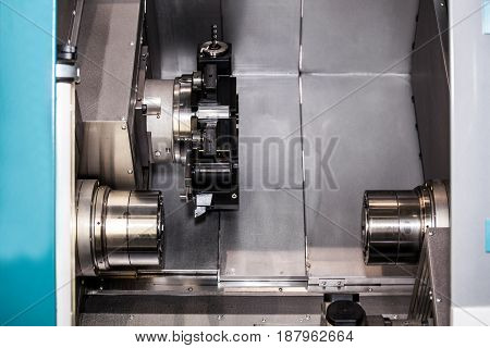 CNC center, metal processing machine with 3-axis grasping with counter spindle