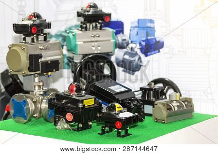 Many Kind Of Limit Switch Box And Valve For Flow Indicator And Control In Industrial Work