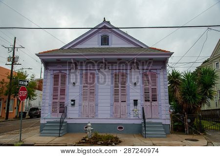New Orleans Is Know (among Other Things) For Its Architecture With Multiple Influences Exemplified I