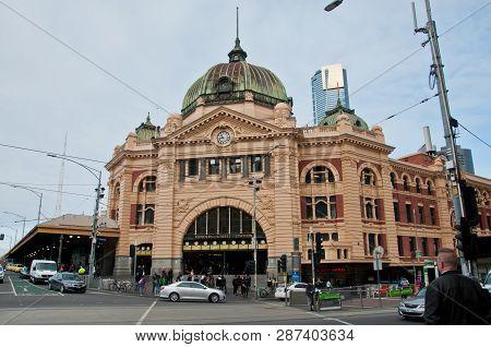 Melbourne, Australia - July 26, 2018: Famous Landmark Flinders Street Train Statino In Melbourne Cit