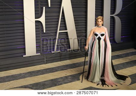 BEVERLY HILLS - FEB 24: Selma Blair at the 2019 Vanity Fair Oscar Party at The Wallis Annenberg Center for the Performing Arts on February 24, 2019 in Beverly Hills, CA