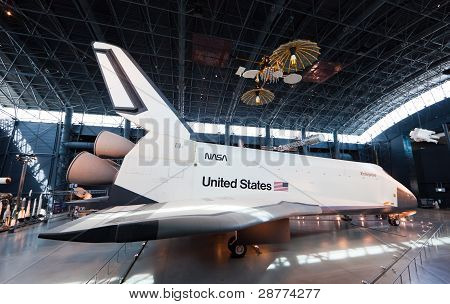 Chantilly, Virginia - 10 oktober: rymdfärjan Enterprise på National Air And Space Museum St