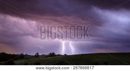 Multiple lightning bolts during nighttime thunderstorm in Kentucky