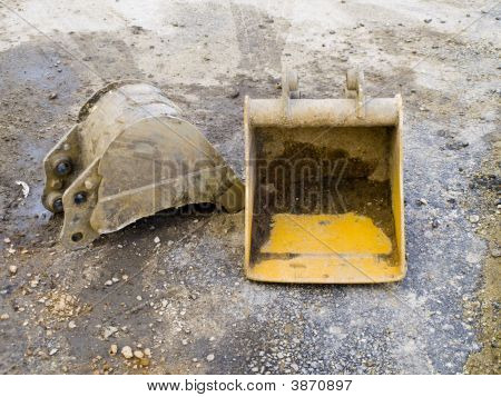Digger Parts For Attachment To Heavy Plant