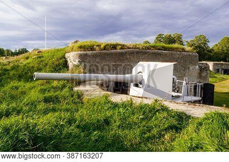 Kronshtadt, Saint Petersburg, Russia - Septermber 5, 2020: B-13 Cannon On The Demidov Battery.