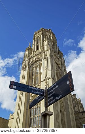 Bristol, Uk - April 19, 2013: The Tower Of The Wills Memorial Building At The University Of Bristol
