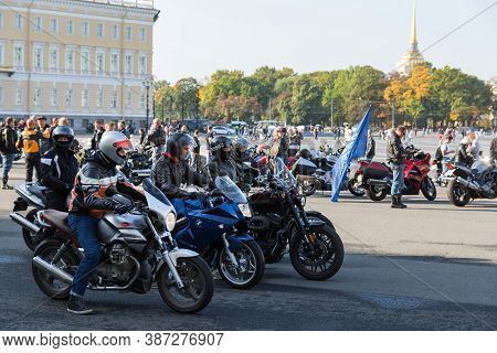 St Petersburg, Russia-september 26, 2020: Group Of Motorcyclists On Their Bikes  On The Palace Squar