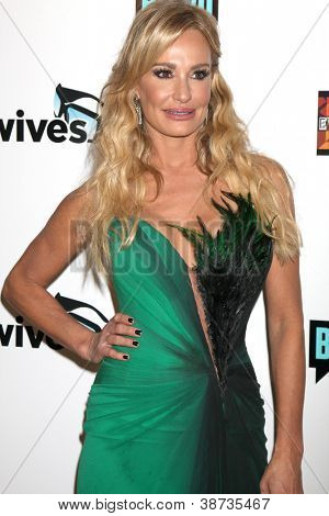 LOS ANGELES - OCT 21:  Taylor Armstrong arrives at