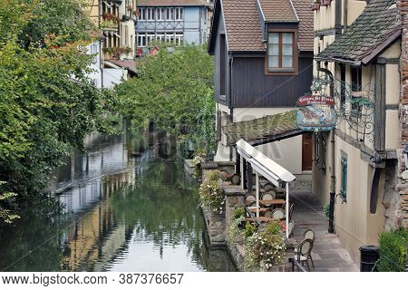 Colmar, France - October 08: Le Caveau St.pierre Restaurant Will Welcome You In This Romantic Settin