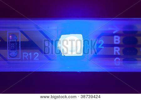 luz led azul en la cinta, vista de macro
