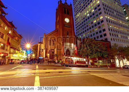 San Francisco, California, United States - August 15, 2019: Cable Car Stops In Front Of A Historic C