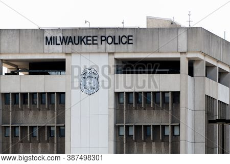 Mailwaukee, Wi,  September 23 2020:  A Close Up Shot Of The Milwuakee Police Department Building Loc