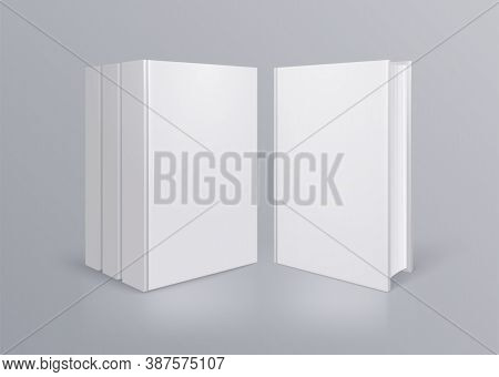 Books Mockup Composition With Realistic Images Of Book With No Title From Front Point Of View Vector