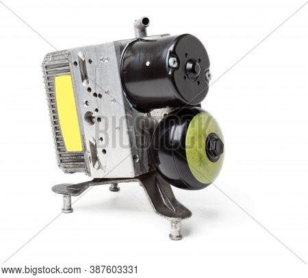 A Hydraulic Unit With A Cooling Radiator Made Of Tubes And Plates Is A Spare Part For Replacement In