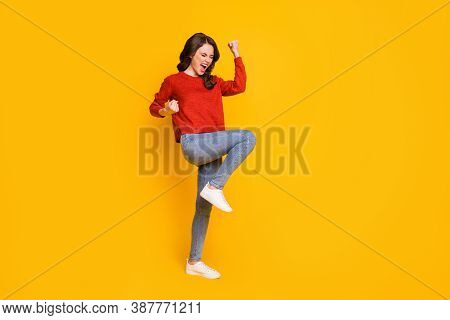 Full Length Body Size View Of Her She Nice-looking Attractive Content Ecstatic Overjoyed Cheerful Ch