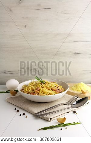 Carbonara Pasta, Spaghetti With Egg, Parmesan And Garlic Sauce