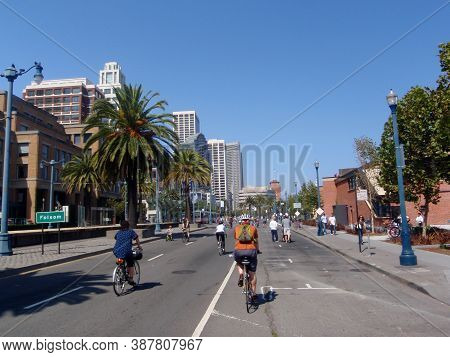 San Francisco, California - September 14, 2008: Adults And Kids Bike On The Open Embarcadero Road At