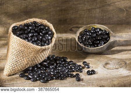 Raw Black Beans - Phaseolus Vulgaris 'black Turtle