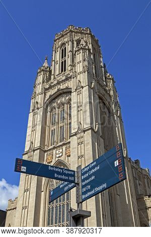 Bristol, Uk - May 4, 2013: The Tower Of The Wills Memorial Building At The University Of Bristol Wit