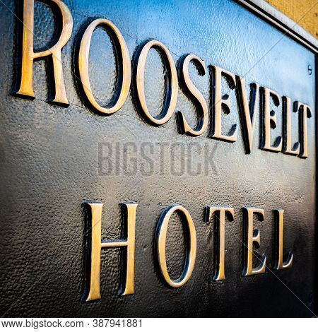 Hollywood, California - October 09 2019: Hollywood Roosevelt Hotel Sign At The Historic Location On