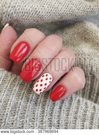 Female Hand Beautiful Elegant Manicure Sweater\n Care