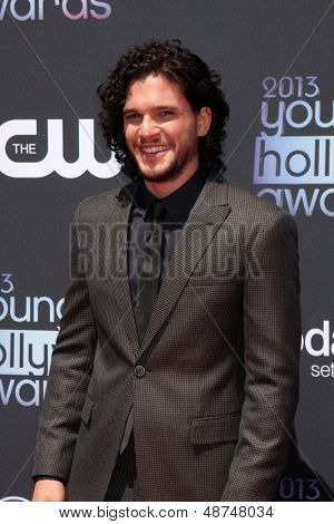 LOS ANGELES - AUG 1:  Kit Harington arrives at the 2013 Young Hollywood Awards at the Broad Stage on August 1, 2013 in Santa Monica, CA