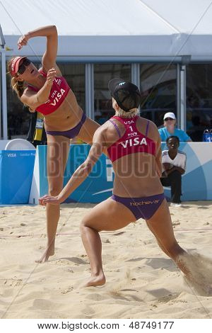 10/08/2011 LONDON, ENGLAND,  Brittany Hochevar (R) & Lisa Rutledge (USA)  (L) during the FIVB International Beach Volleyball tournament, at Horse Guards Parade, Westminster, London.