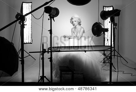 Behing The Scenes Shooting A Bride In A Professional Studio With Multiple Lights