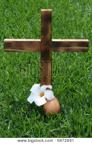Wooden Cross upright with Egg