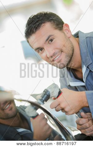Mechanic Buffing Car